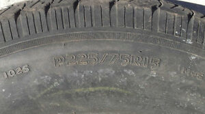 1 pneu • P225/75R15 • 1 tire West Island Greater Montréal image 3