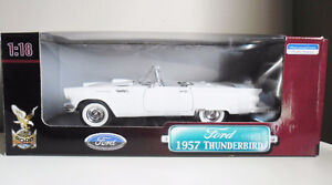 Ford 1957 Thunderbird 1:18 Die Cast Collectible YatMing