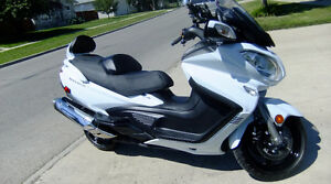 2014 Burgman 650 Executive No Limit Warranty Till 2020 Mint