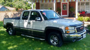 2004 GMC Sierra 1500 PRICED TO SELL!!!