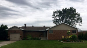 3+1 Brick Bungalow Located on Riverfront