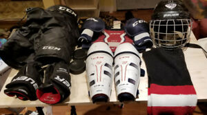 Small Hockey Equipment, bag and others extras (some skates)