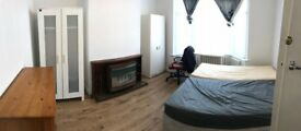 Large room to let 2 mins walk to Middlesex Uni