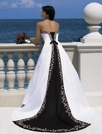 Alfred Angelo Style 1516 - Never Been Worn Wedding Dress - Ivory & Black