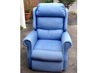 Riser/recliner electric mobility chair. 4 yr guarantee!!