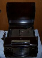 Westinghouse Wooden Radio / Record Player