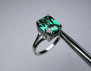 Emerald Green Cubic Zirconium Sterling Silver Ring - Size 5.5