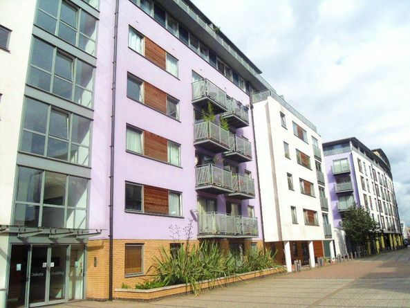 2 BEDROOM, 2 BATH AVAILABLE NOW IN DEALS GATEWAY. INCLUDES GYM POOL AND A MINUTE FROM THE STATION