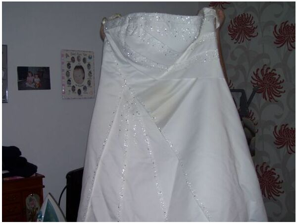 Mobile dry cleaners leeds wedding dress cleaning leeds uk for Where to dry clean wedding dress
