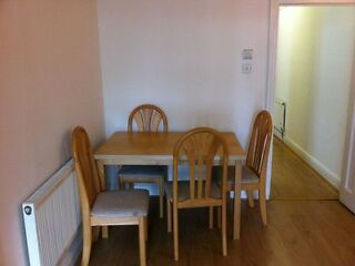 1ST SEPTEMBER 2013 Queensway :3 bedroom flat  Picture 3