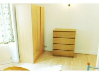 1ST SEPTEMBER 2013 Queensway :3 bedroom flat  Picture 7