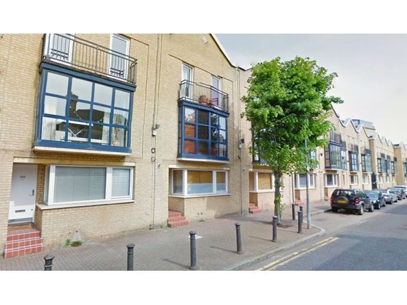 Stunning 1 Bed in Rotherhithe St, Furnished and close to transport links,
