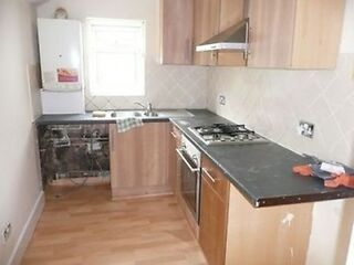 An Amazing 3 Bedroom Property In East Ham (0122) DSS ACCEPTED & BOND ACCEPTED East Ham Picture 2