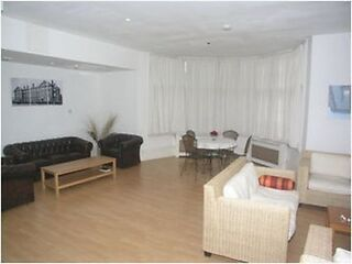 Hammersmith; Modern, clean, quiet! Studio flat close to Station. Bills included Hammersmith Picture 2