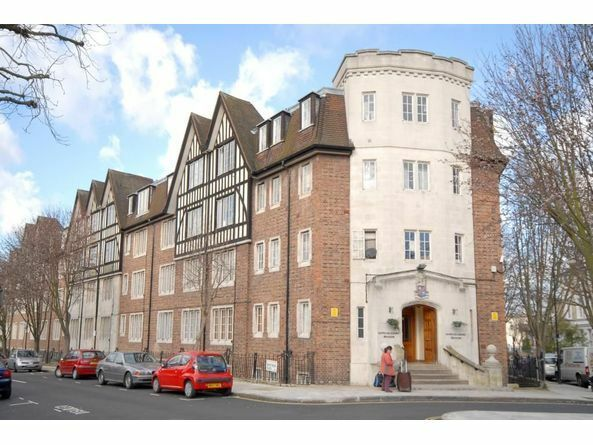 Studio / 1 bed flat to rent Mortimer Crescent, Kilburn NW6 £1,049 pcm (£242 pw)