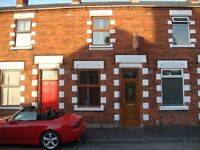 Superb 2 Double Bed Mid Terrace Off The Ormeau Road - Gipsy Street