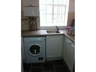 1ST SEPTEMBER 2013 Queensway :3 bedroom flat  Picture 2