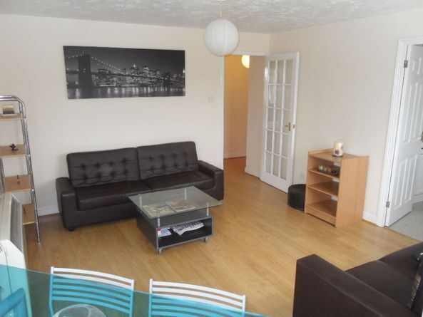 FANTASTIC 2 BED 2 BATH APARTMENT IN SURREY QUAYS, FURNISHED, CLOSE TO CANADA WATER STATION