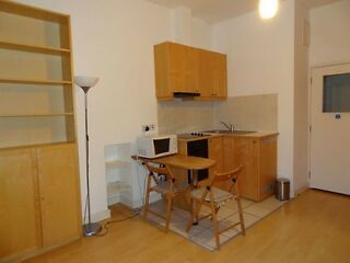 Modern studio with free internet and sky tv close to Hyde Park, Bayswater (central London)  Picture 4