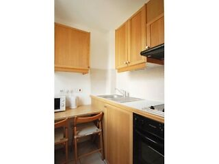 Euston; Modern self contained studio in conversion. Most bills included. Euston Picture 4
