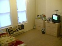 Double Rooms available, close to city center, fast wifi internet, sky tv