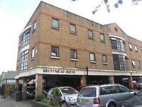 Modern Studio Flat 1st floor with wood floors Britannia Road Finchley N12 9RU £823.33pcm
