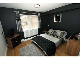 Brand new 1bedroom flat with en suite  Picture 1