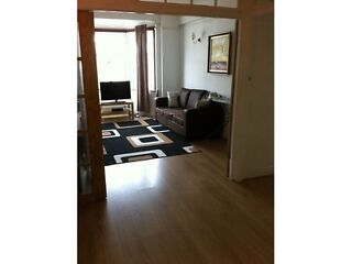 1ST SEPTEMBER 2013 Queensway :3 bedroom flat  Picture 1