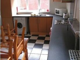 Cheap Double room available in a House in Kensington (Liverpool) L7.