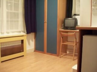 Hammersmith; Modern, clean, quiet! Studio flat close to Station. Bills included Hammersmith Picture 4