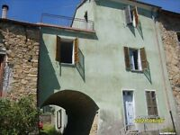 5 bedroom semi detached house for Sale, Nr Parma, Italy