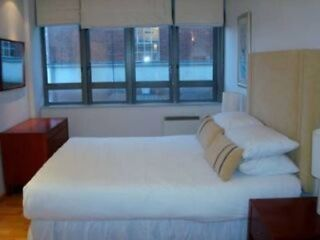 STUNNING 1 BED FLAT IN HEART OF THE CITY. CALL NOW!!! EC1 Picture 1