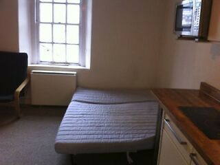 Recently refurbished Studio Flat, Central Bradford-on-Avon  Picture 2