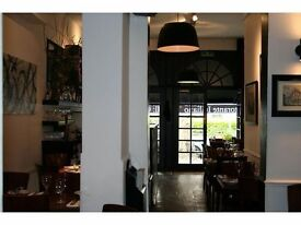 Waiting Staff - - Italian Restaurant - 5 min walk from Kew Garden underground