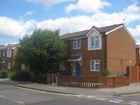 TASTEFULLY DECORATED 3 BED HOUSE IN DEPTFORD / SURREY QUAYS VICINITY. AVAILABLE 1ST SEPTEMBER
