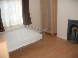 £250pcm- Short term accepted Large Double room Furnished Includes all bills