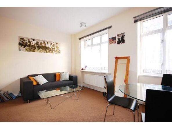 2 bedroom flat in Warren Court, Euston Road, Regents Park, NW1