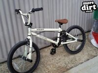 MONGOOSE BMX BARGAIN WITH PEGS AND GOOD CONDITION