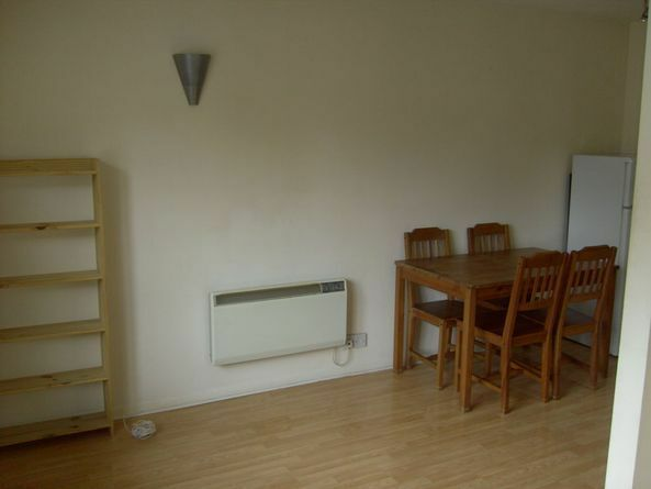 1 bed- Newly Refurbished flat to rent- Minutes to Tulse Hill station