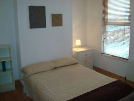 Spacious & bright DOUBLE ROOM ---Share with awesome flatmates---