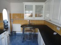 2 bedroom split level flat is for rent in bellshill, a quiet family location,5 min from M8 motorway