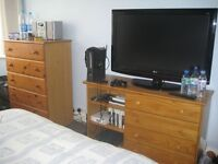CLEAN BRIGHT ROOM 1 MINUTE BY WALK TO MIDDX UNI HENDON CAMPUS