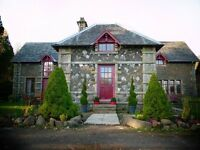 Spectacular stone historic house 6 bedrooms/2 living rms