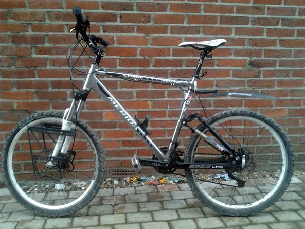 Merida Full Suspension 21 Frame Mountain Bike With Rockshox Tora