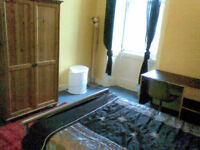 DOUBLE BEDROOM TO LET IN EDINBURGH CITY CENTRE - TOLLCROSS - ALL BILLS AND CT INCLUDED