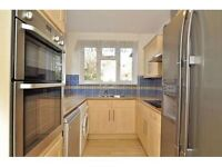 1 Large Rooms Available in Surbiton bills included in Houseshare