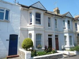 NEW: To Let - Good sized Doulbe Room in Worthing - £440 pcm (counc tax + utility bills included)...