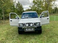 Immaculate Toyota HILUX, Pick Up, 2000, Manual, 2446 (cc) Crew Cab