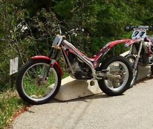 2006 GAS-GAS RAGA TXT PRO trials bike and KTM 450SXF Parts