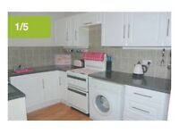 FIRST FLOOR LARGE UNFURNISHED FLAT, 2 DOUBLE BEDROOMS, CENTRAL EXMOUTH. GAS C/H, DBL GLAZED.